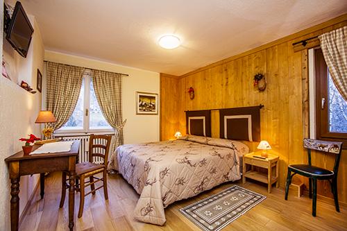 Hotel petit meuble courmayeur aosta - Meubles petites oppervlakken ...
