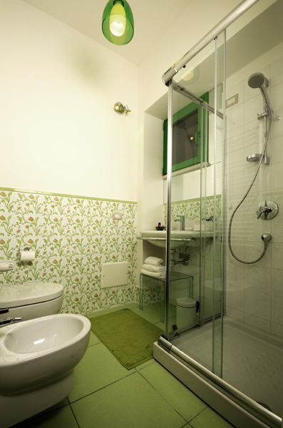Bed and breakfast bedrooms beb pescara pescara for Piastrelle bagno anni 50