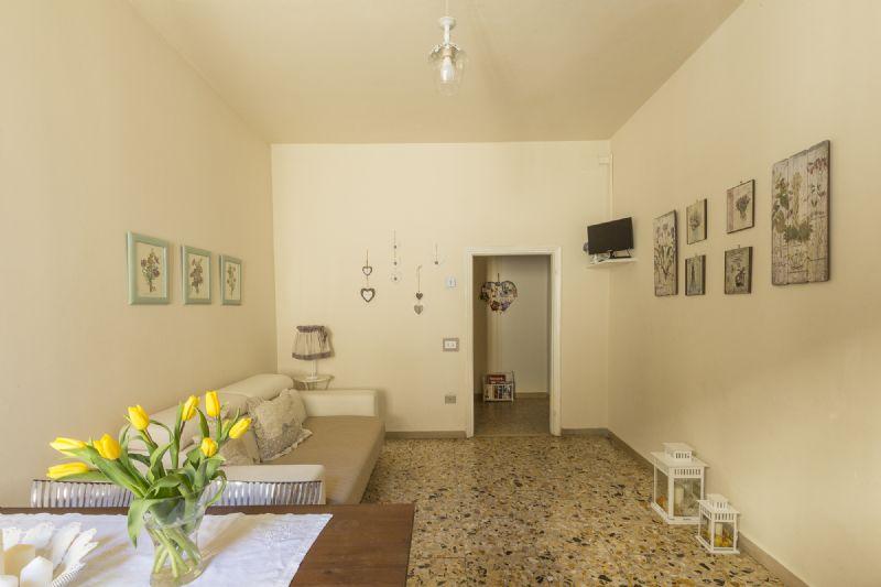 Appartamento Uso Turistico Casa Laura, Firenze (Firenze)