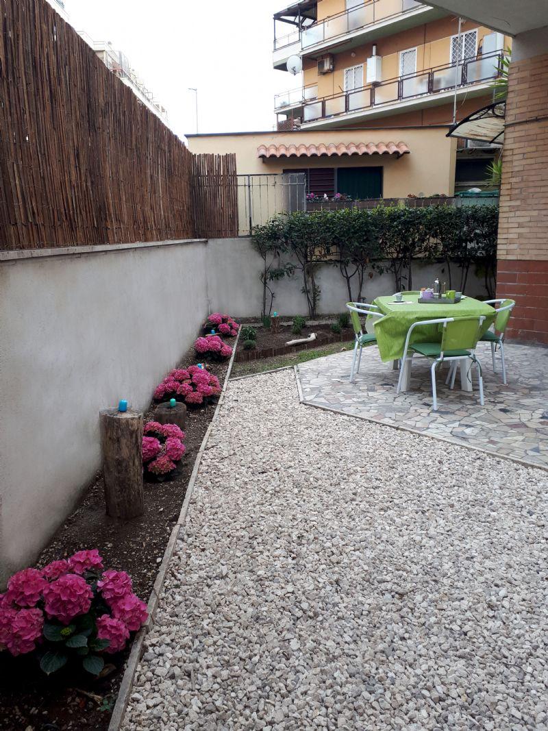 Appartamento uso turistico casitalinda lido di ostia roma for Appartamento uso ufficio roma