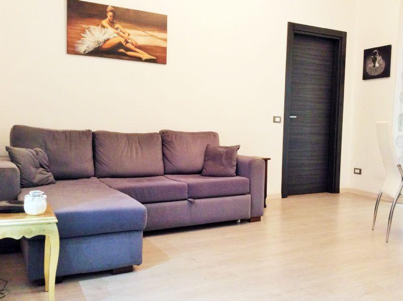 Appartamento uso turistico marconi flat roma roma for Appartamento uso ufficio roma