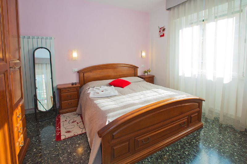B B Letti A Castello Finale Ligure.Bed And Breakfast Pioggia Di Sole Finale Ligure Savona