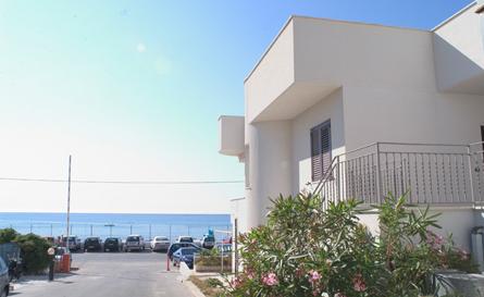 Casa vacanze la tua casa sulla spiaggia isola delle femmine palermo - La casa delle vacanze ...