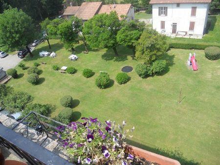 Bed and breakfast terrazza con vista grande laveno mombello varese - Giardino sul terrazzo ...