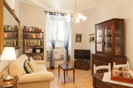 Casa vacanze elisa 39 s house roma roma for Piccole case arredate