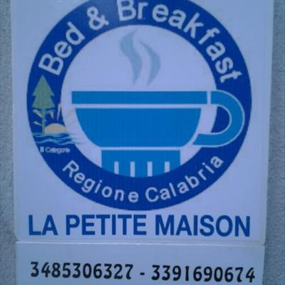 Bed and breakfast la petite maison ricadi vibo valentia for B b la petit maison