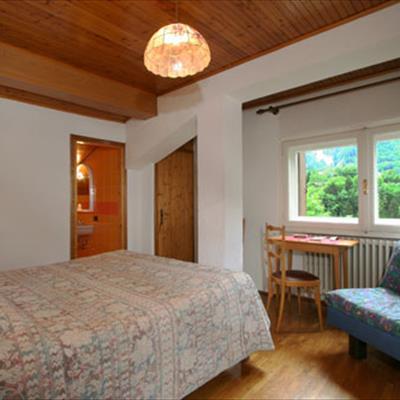 Hotel petit meuble courmayeur aosta for Meuble courmayeur
