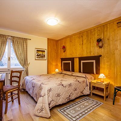 Hotel petit meuble courmayeur aosta for Meuble ottimo