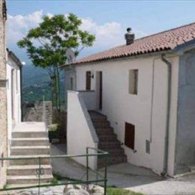 Bed and breakfast casa elvira basilico san valentino in for Basilico in casa
